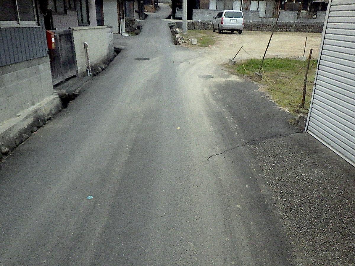 戸狩町地内狭あい道路拡幅工事着工前